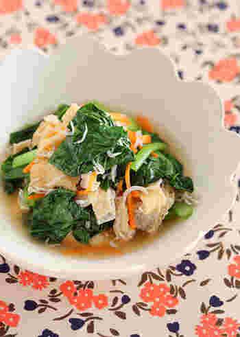 一気に小魚も野菜もとれる嬉しいレシピ。 じゃこならそこまで癖もないので、お魚嫌いな子どもにもおすすめです。