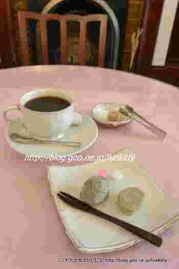 コーヒーや紅茶、スイーツなどが頂けます。こちらは、甘い物を少しつまみたい時にぴったりな「盛岡駄菓子」。