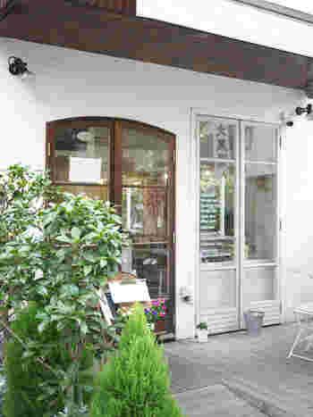 代々木上原駅から歩いてすぐの路地裏にある「ミレイネ」は、ヴィーガン・マクロビタイプのスイーツ専門店。