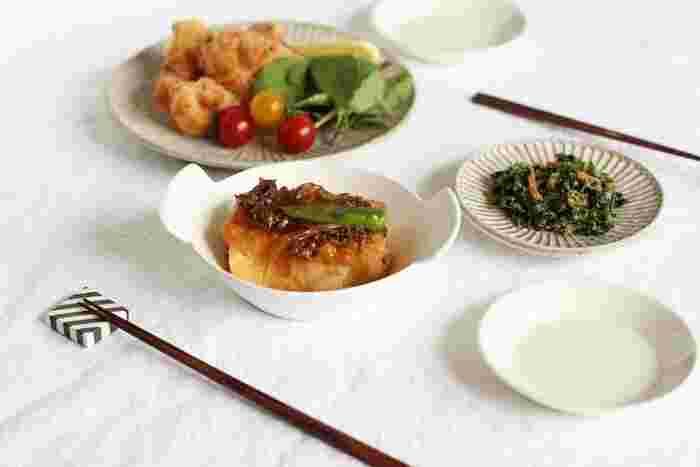 スープの他に、和食の煮物などをよそっても意外と落ち着きます。適度な深さと大きさで、ボリュームのある副菜に丁度いい。