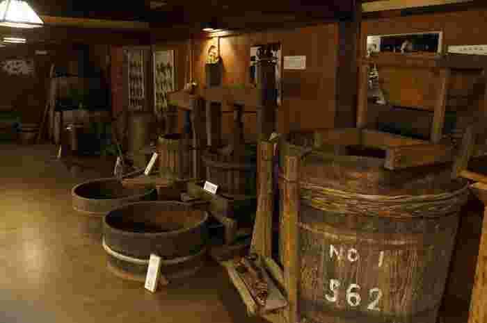 母屋の一角にあるワイン造りの歴史を紹介するワイン資料室。なんとそこも自由に見学する事が出来るそう!