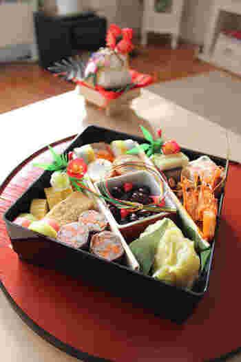 日本の大切な伝統、おせち料理。本来の意味を知ると、ますます大切に長く受け継いでいかなければ、と思いますね。今度のお正月は、ちょっとおせち作りに頑張ってみませんか?