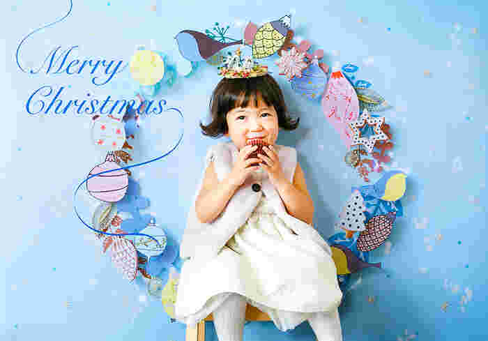 デザインもテイストもバラエティ豊かなので、お子さんの雰囲気やポージングなどをイメージしながら選ぶと楽しそう♪  お家で過ごした思い出がおしゃれに残って、今年のおうちクリスマスの満足度をグンとUPさせてくれるはずです。