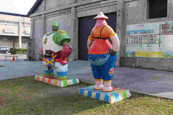 【駁二芸術特区】は、1973年に高雄港の倉庫として建てられたものが後に工芸・アートを中心とした文化の発信基地として発展したエリアです。