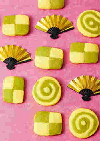 抹茶とプレーン生地の組み合わせは市松模様とうずまき柄にもアレンジできますよ☆冷凍庫で冷やしてから焼くアイスボックスクッキーなので、作っておけばプレゼントしたいタイミングで焼くこともできます。お正月だけじゃなく1年中量産したくなる可愛さです。