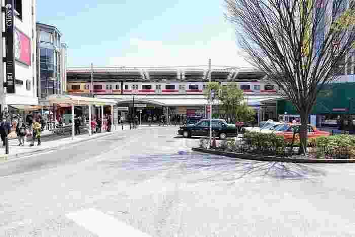 東急東横線/東急大井町線・自由が丘駅前。街歩きのスタートはここから。