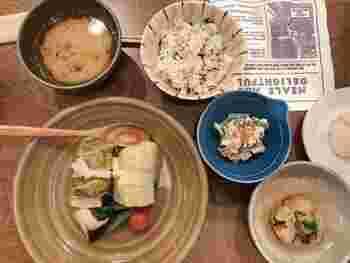 11:30~18:30は気軽にオーダーできる食事メニューも。和食ベースで、いくつか料理がセットになっています(¥1,850/税込)。ちょっと贅沢したい日のご褒美ランチにぴったりです。