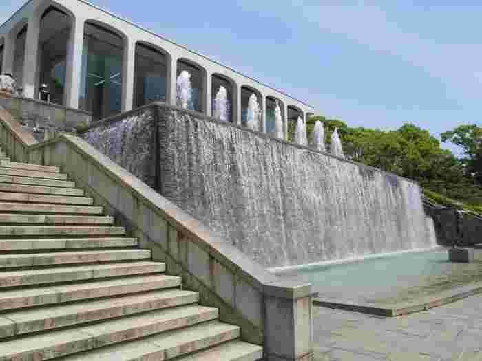 当時皇太子だった今上天皇のご成婚記念に公園として整備された須磨離宮公園。元々は大正3年に皇室の別荘とされていたところ、戦争を機に神戸市に下賜されました。