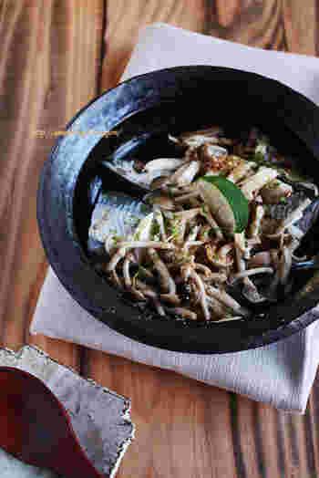 秋刀魚をいつもの塩焼きではなく、キノコをたっぷり使って酒蒸しに。こちらも秋の味覚の共演ですね♪