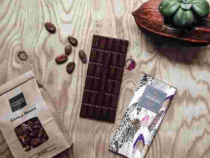 チョコレートの世界的なトレンド「Bean to Bar」を札幌から発信するチョコレートショップです。ガーナ、キューバ、ベトナムなど世界のカカオ豆をブレンドせず「シングルオリジン」で使用。ハンドピックで厳選した豆を店内で焙煎、チョコレートにするまでのすべての過程をショップ内で手がけています。