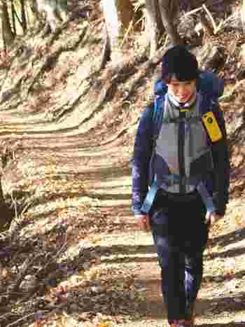 patagoniano(パタゴニア)のもこもこベストが目を引く、冬のあったかコーデ。ニット帽が女の子らしさをプラスしています。