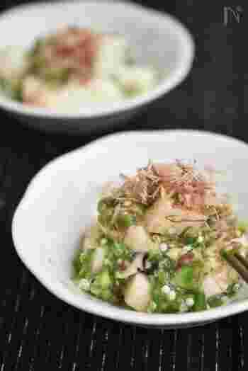 こちらも長芋とオクラのねばねば食材を合わせた簡単時短レシピ。さらに梅肉を加えて、疲労回復にもバッチリです。