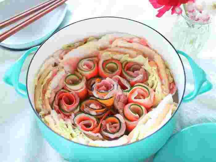 いつものお鍋を華やかに♪おもてなしの食卓に映える「ビジュアル鍋」レシピ
