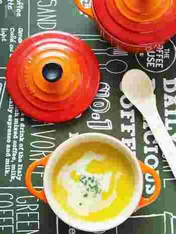 みんな大好きポタージュスープ♪ 白だしや豆乳を使った、あっさりとした味わいのレシピ。ブレンダーならどんな食材も簡単に撹拌できるから、かぼちゃの他に大根やにんじん、里芋、ホウレン草など、お好みの野菜でアレンジすることができます。