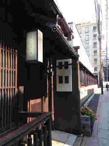 イル・チプレッソは、江戸時代の面影を色濃く残す祇園花見小路通に面した町屋イタリアンレストランです。