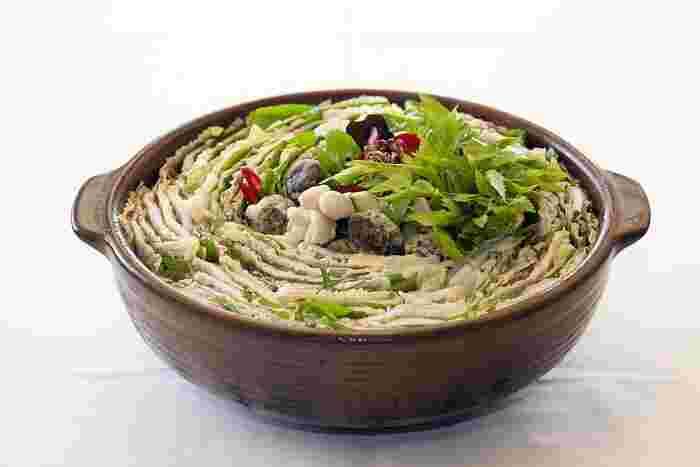 あったかいお鍋を囲んで楽しいひととき…  冬のお鍋は、心も体もほっこり♡  お腹もバッチリ満たしちゃいます♪