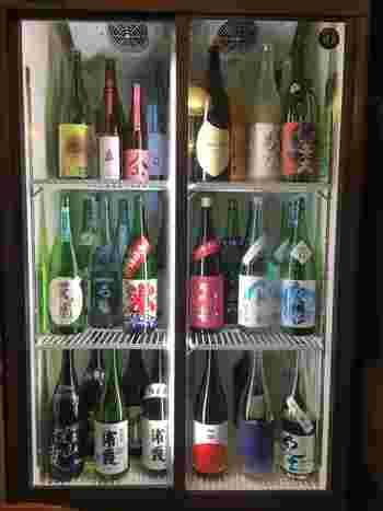 日本酒派の方は、蒲田駅から歩いて5分ほどのところにある「日本酒バル YODARE 蒲田店」がおすすめ。最近はスパークリングタイプの日本酒が飲みやすいと評判で、こちらのお店でもいただくことができますよ。