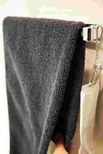 ヒオリエではとことんタオルの使い心地にこだわって、タオル用のオリジナル糸を開発・使用されています。短い繊維をすべてカットして作られるコーマ糸だけで織られたタオルだから、手触りの良さはもちろん、毛羽立ちが少なく耐久性があるのだそう。