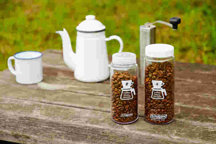 軽くて丈夫なコーヒービーンズボトル。コーヒー豆の酸化をしっかりと防ぐつくりになっているため、自宅での保存容器としても使用できます。コーヒーのイラストが描かれた、ボトルのデザインもおしゃれですよね。