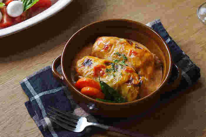 暖かいものが美味しく感じるこれからの季節、グラタンを始め熱々のお料理に欠かせないのがグラタン皿や鍋敷きです。冬ならではのテーブルを演出して、季節の食卓を楽しみたいですね。