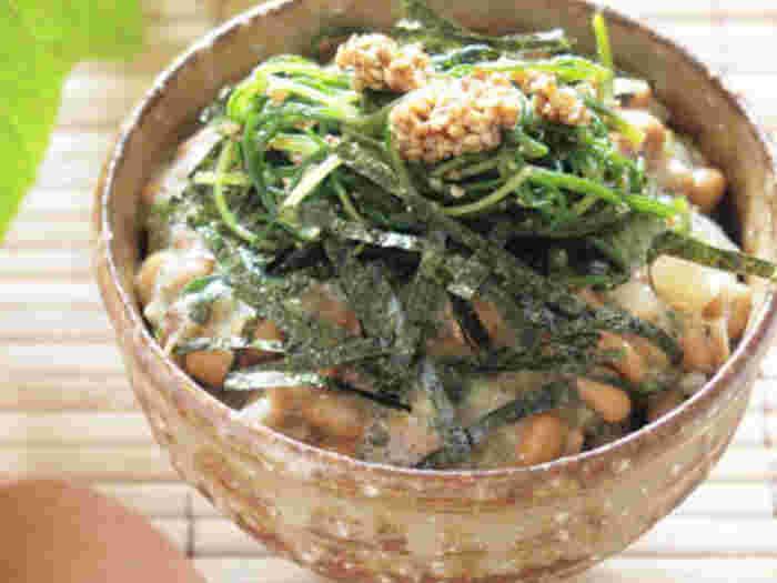 納豆のねばねばと海苔の風味もプラスされて食欲もアップしそうな一品ですね。