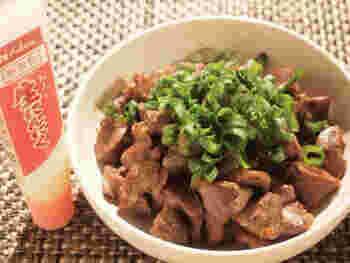 にんにくチューブを使って、お手軽に作れるレシピです。味付けも、塩胡椒と醤油だけとシンプルなのに、にんにくを入れることでお箸が止まらないひと皿に!お酒のお供に最高ですね。