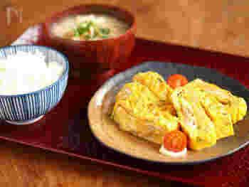 お店で食べる人気の卵料理は、食感がふんわりしていますよね。でも、コツさえ掴めばおうちでもいつもの卵料理の食感をふんわりにする事ができます。今回は、おかず系のレシピを中心に卵をどう調理すればふんわりの食感にできるのか、コツを色々とご紹介致します。是非、簡単なのでおうちで作ってみてくださいね。