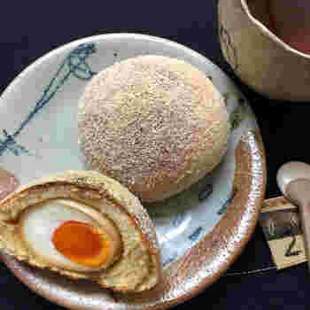 強力粉と大豆粉を使って、玉子を包んだたまごパン。ボリュームがありますが、揚げないのでカロリーも低いんです。
