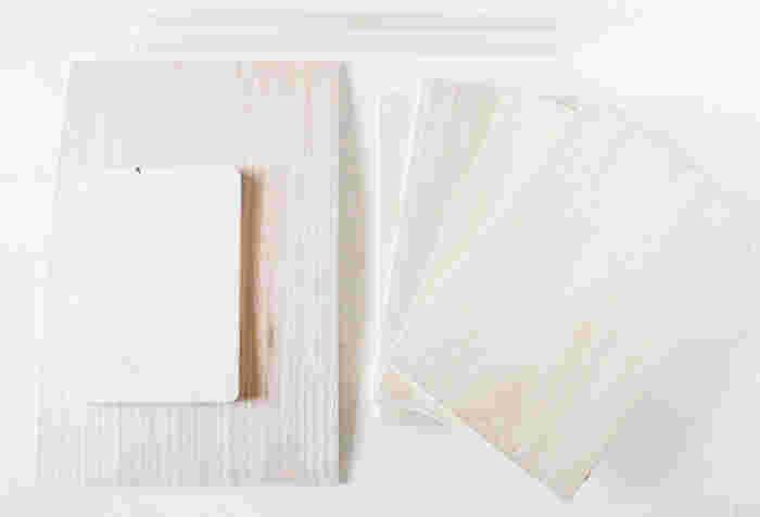 なんとこの素敵な棚、100均のまな板を使って手作りしたのだそうです!使う材料は、桐のまな板・大4枚、小1枚、ベニヤ板1枚に角材2本だけ。すべて100均で手に入る材料のみで、こんなに素敵な棚ができるなんてスゴイですね!