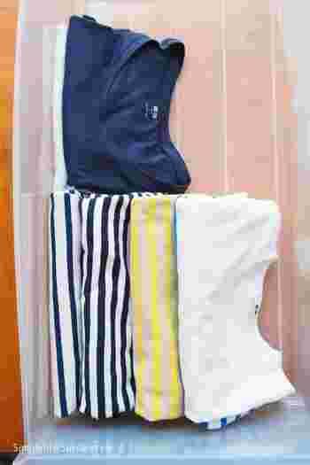 洋服を立てて収納する時、量が少ないとクタッと倒れておさまりが悪くなってしまいますよね。