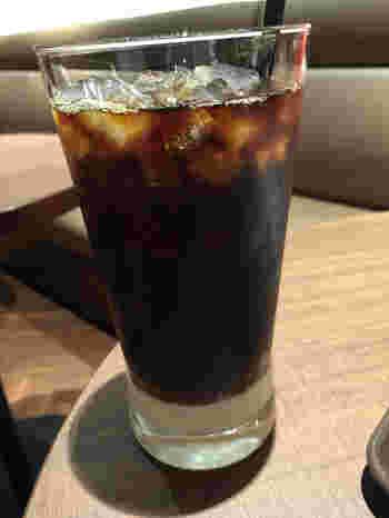 チョコクロワッサンで有名なチェーン店ですが、ここでも実はベトナムコーヒーを飲むことができます。