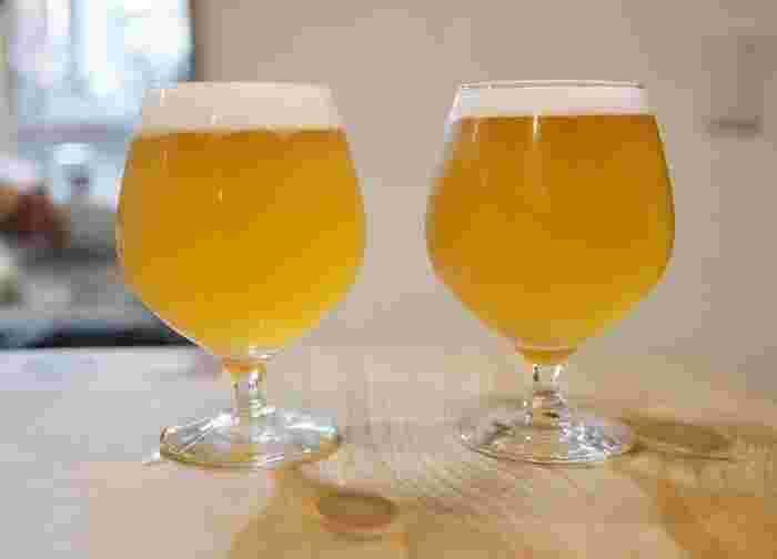 「風月(ふうげつ)」は定番スタイルのビールで、ほど良い苦みとどっしりとした味わいが特徴です。その日のタップが店内の黒板に書かれているので、好みのビールを探してみるのも楽しいですね。