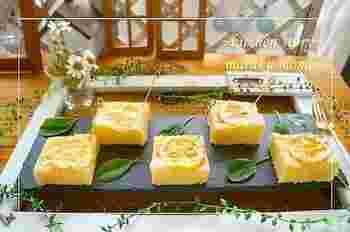 はちみつレモンのさっぱりケーキが、電子レンジを使えばなんと4分という短時間で出来上がってしまうんです!トッピングにスライスしたはちみつレモンを飾ってあげると可愛らしいイメージになりますね。