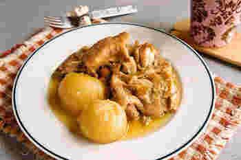 豚肉だけでなく、鶏モモ肉もチャーシューにおすすめ。圧力鍋を使えば、短時間でも味がよくしみた、ほろほろの鶏チャーシューができあがります。