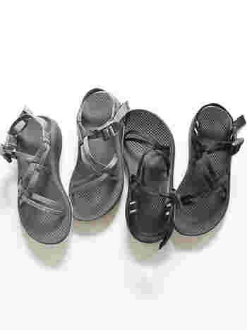 ストラップの調節が可能なので足がちょっとむくんでしまった時や靴下と合わせるときにも自分好みで調節できるのも魅力的。  丈夫に造られたチャコサンダルですが、ソールを変えたり壊れてしまったパーツを取り替えたりする修理依頼も可能です。環境のためにも自分の気に入ったものを大切に長く愛用していきたいですね。