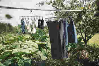 マスクだけを干せる小さめの洗濯バサミがあると便利です。
