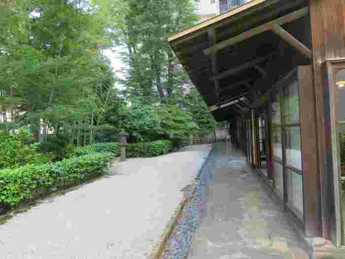 高崎市美術館の敷地内にあるアントニン・レーモンド氏による旧井上房一郎邸も併せて見学を。こちらの観覧料も美術館観覧料に含まれており、邸内の見学もできます。
