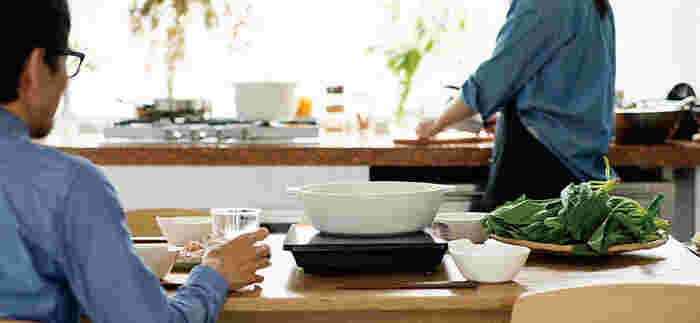 いかがでしたか?お鍋のレシピと共に、お鍋グッズもどんどん進化しています。和洋中どんな料理にも合うのは、やっぱりシンプルでスマートなアイテムですね。ぜひこの秋冬は、今回ご紹介した土鍋やお鍋グッズを使って、おしゃれにスタイリッシュにお鍋を楽しんでみてください。