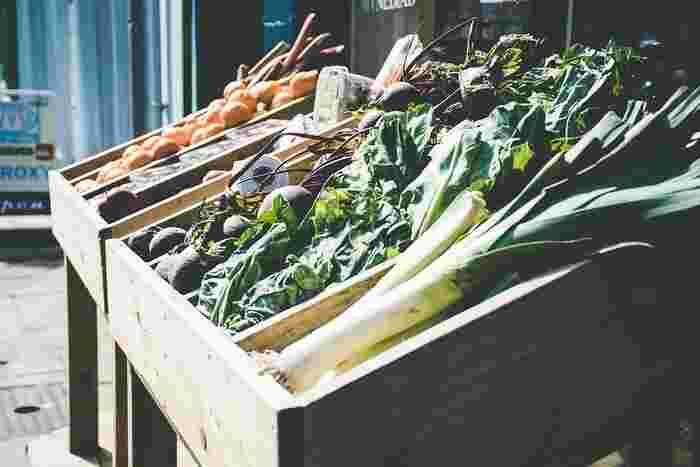 毎月第1日曜日、鎌倉パークホテル正面駐車場にて開催されている朝市です。鎌倉パークホテルや地元商店街、漁協が連携しているので、朝獲れ魚介や野菜、地元の惣菜など充実のラインナップとなっています。