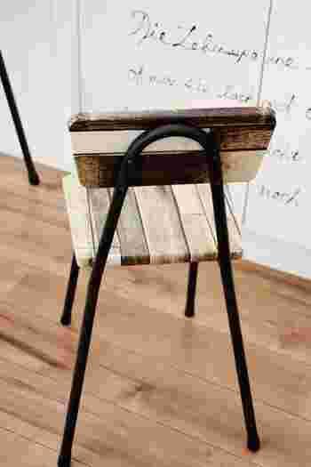 リメイクシートを使ってイスをアレンジ!家具もリメイクシートを使えば手軽にイメージチェンジできますよ。