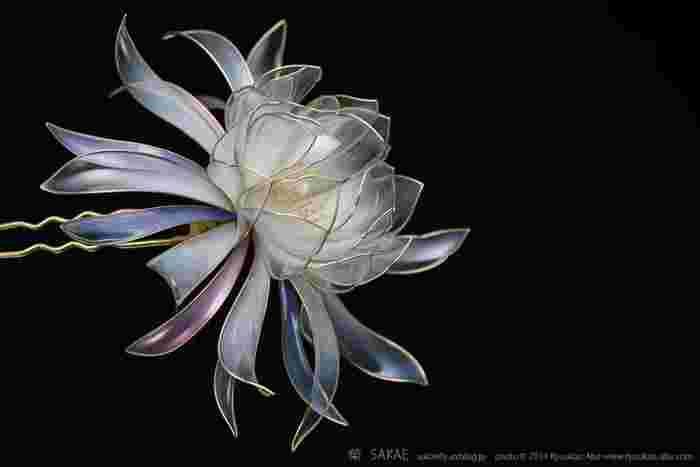 """花よりもなお美しく咲く""""華""""。簪(かんざし)作家「榮-sakae-」さんの世界"""