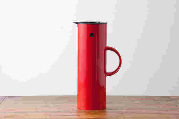 お気に入りのおしゃれな水筒があれば、持って外へでかけたくなりそうですね。
