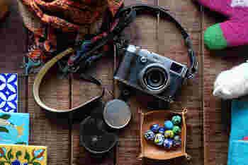 フィルム時代のこだわりはそのままに、FUJIFILMは伝統的でありながらも新しいデジタル一眼レフカメラをリリースしたのです。