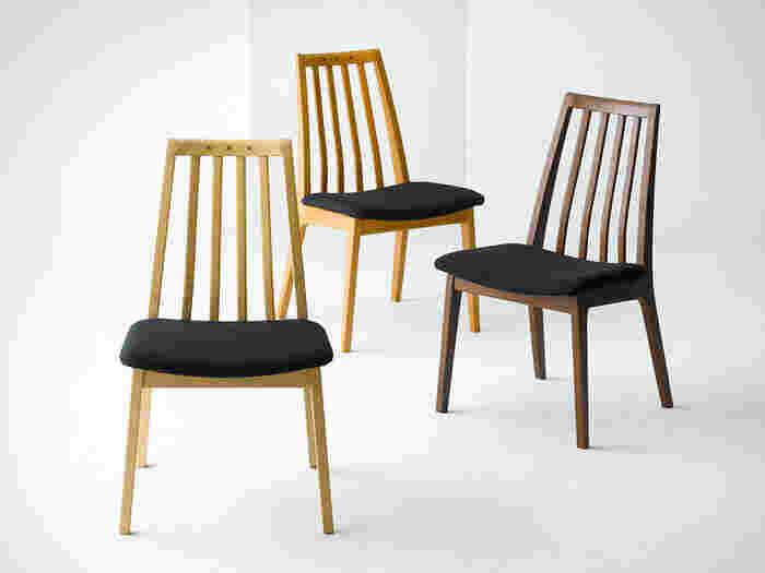 「軽作業いす」とは、食事用や会議用に使われるものなど軽作業に使われるチェアを指します。作業用チェアより、やや背もたれが傾いているのでラクな姿勢で座ることができます。
