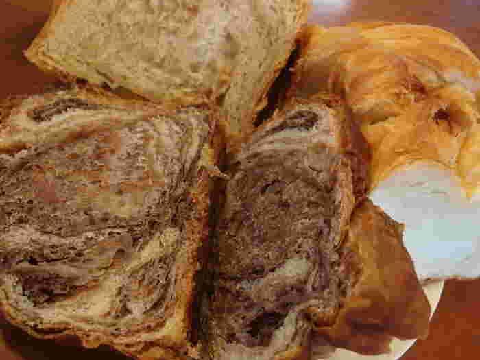 """""""京都祇園ボニッシュ""""はデニッシュ食パンの専門店。 食パンや菓子パンなどに適した上質の高級小麦粉と、国産の卵、きれいなお水を使って、手作りで毎日つくられています。 おやつにも良さそう♪"""