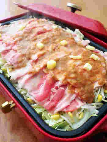 お肉料理の中では少し変わり種? 蒸して作るお水を使わない鍋料理です。 バターとにんにくとお味噌の濃厚な味付けが子どもにも人気。