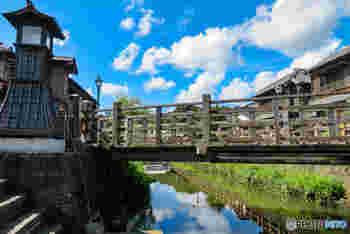 江戸時代に利根川水運の中継点として栄えた佐原。今訪れても当時の名残を感じさせる街並みが残っています。川からの眺望を満喫することができる舟めぐりも健在。ぜひ機会があればお試しください!