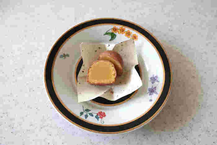 美術館を改装した「歐林洞」は、焼き菓子やパウンドケーキなどを製造している鎌倉で人気の洋菓子の名店です。一番人気の「パトロン」はマッシュした栗を焼いてからチョコレートで包んだ、お店を代表する洋菓子。しっとりとしたマッシュマロンとチョコレートのハーモニーがたまりません。味はブラックチョコレート、ミルクチョコレート、ホワイトチョコレート、抹茶チョコレートの4種類。