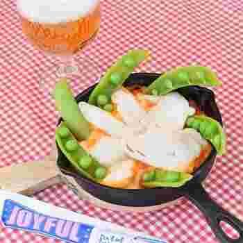 こちらもチーズダッカルビ風のお手軽おつまみレシピ。サラダチキンやキムチを使うことで、あっという間の3分で作れちゃいます♪