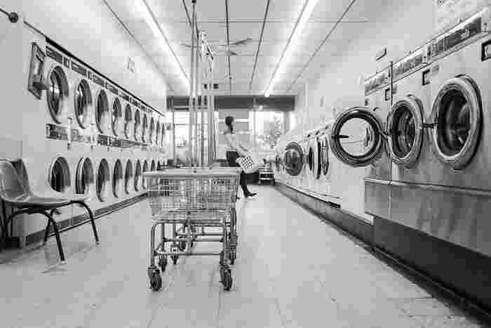 洗濯機の容量いっぱいまで、ギュウギュウに詰め込むと汚れが落ちにくくなったり、すすぎが十分に出来ず、衣類に菌が残りやすくなります。洗濯物の量は、洗濯槽の7割くらいまでにしましょう。